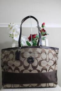 NWOT COACH F17443 Brown Khaki Signature Stripe Carryall Diaper Bag (u170