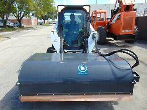 """NEW 2021 SKID STEER BOX BROOM / SWEEPER ATTACHMENT 72"""" WIDE -ENCLOSED BOX STYLE"""