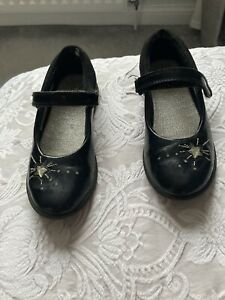 Girls Black Clarks Shoes Size 13F Good Clean Condition
