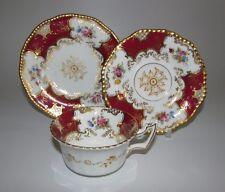 Raro Antiguo patrón de Coalport Rojo Ala de Murciélago, platillo de taza de té, placa lateral trío.