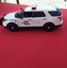 1:18 diecast Replica Indiana State  police SUV with working lights and siren.