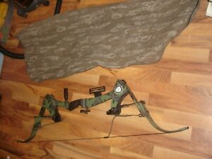 Vintage Oneida Eagle Tomcat Compound Bow 50-70 weight in bag NICE RH