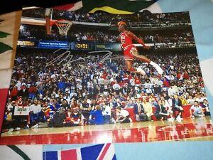 Michael jordan hand Signed Chicago bulls basketball photo NBA slam dunk