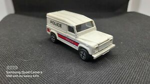 UNBRANDED LAND ROVER POLICE CAR