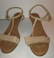 """Kate Spade New York Womens Sandals Size 8.5 NUDE Patent Leather Bow 1"""" Heels"""