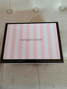 VICTORIA'S SECRET STRIPED PINK GIFT BOX medium