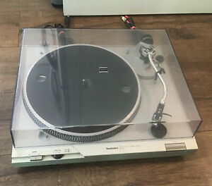 Vintage Technics SL-D1 Direct Drive Automatic Turntable Record Player