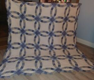 Vintage Blue/White Toile Double Wedding Ring QUILT 100x84 Scalloped Edges NICE