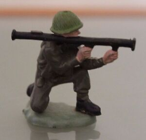 Soldier Plastic BRITAINS to the / Of Combat With Bazooka
