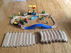 Thomas the tank engine wooden train set