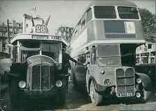 Les bus de l'exposition du Festival de Grande-Bretagne à Paris Vintage silv