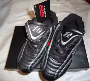 CLEATS SOCCER BOY'S 13 Black Sports Athletic NWT