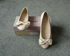A Pair of Ladies Clarks Ballerina Shoes Size 6.5 (New)