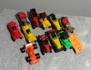 12x Automodelle Plastik vmtl Ü Ei 70/80er gbr gut schöne Sammlerstücke 3,5-5cm