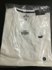 NWT Hollister By Abercrombie & Fitch Men's Must Have  V-Neck T-Shirt Size small