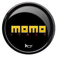NUOVO ORIGINALE VOLANTE MOMO AUTO Corno a pulsante. LOGO GIALLO ROSSO, Italia.