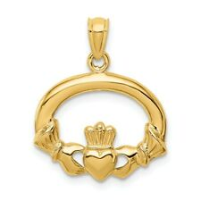 14k Yellow Gold Oval Claddagh Pendant, 18mm (11/16 inch)