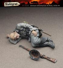 STALINGRAD MINIATURES, 1:35, German Infantryman at Rest, 1939-44, S-3532