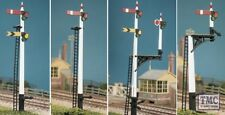 466 Ratio GWR Square Post (4 Signals inc. Jcn/brackets) OO Gauge Plastic Kit
