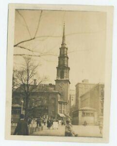 Vintage 7 x 8 Photo Ville Street Scène Avec Église Possiblement Boston Ou Ny ??