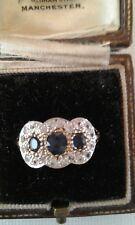 ORO Antico su argento Zaffiro Blu e bianco anello di Cluster Taglia L