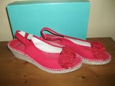 Ladies CLARKS 'Pirie Drop' Red FABRIC Wedge SANDAL Size UK 5.5 EUR 39 Worn Once!