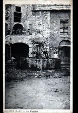 SIGONCE (04) FONTAINE trés animée en 1941