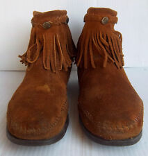 Women's Minnetonka Moccasin High Top Back Zip Fringed Boots -- Size 8.5