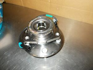 Wheel Bearing and Hub Assembly Front Left CRS Automotive Parts NT515091