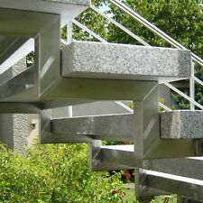 Treppe Treppen Stufe Außentreppe freitragend Granit Cristall geflammt 125/35/8cm