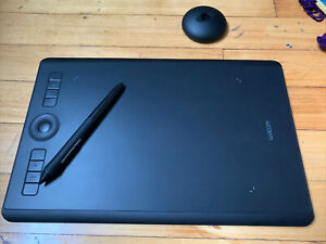 Wacom PTH660 Intuos Pro Graphic Tablet - Open Box New Condition