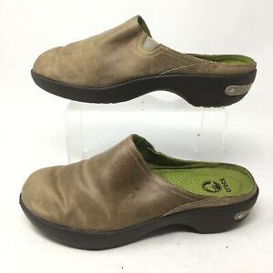 Crocs Womens 7.5 Cobbler 2.0 Mule Clogs Slip On Shoes Brown leather clog 16052