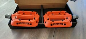 RaceFace Chester Mountain Bike Pedals ~NEW ~ ORANGE