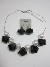 Pearl and Black Necklace Set