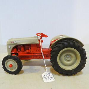 Ertl Ford 8N Tractor  1/16  FD-867-G