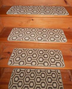 13 Step 10'' x 26'' + 1 Landing 26'' x 29'' Tufted carpet rug Stair 100% Wool