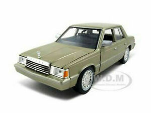 1982 DODGE ARIES K CHAMPAGNE / GOLD 1/24 DIECAST MODEL CAR BY MOTORMAX 73335