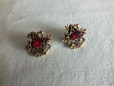 """Beautiful Brooch Pin Gold Tone Matched Set 2 Red Rhinestones 3/4"""" WOW"""