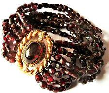 Bracelet 7 rangs de perles de grenat? fermoir plaqué or, Venise vers 1950/1960.