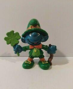 Vintage Smurfs 2 inch Shamrock Leprechaun Good Luck Schleich Peyo 1982