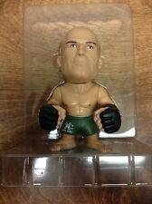 RANDY COUTURE (1 / 400 GREEN SHORTS )  ROUND 5 UFC BLIND BOX TITANS VINYL FIGURE