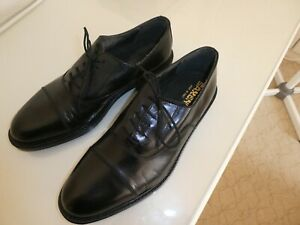 Mens Saxone shoes size 10 black. Leather uppers and soles. Made in Italy.