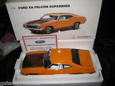 BIANTE / AUTOART 1.18 FORD FALCON XA HARDTOP SUPERBIRD YELLOW FIRE WALNUT GLOW