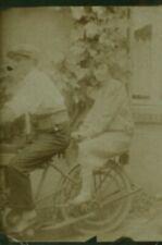 Photo ancienne départ sur la motocyclette roues à rayons 1930