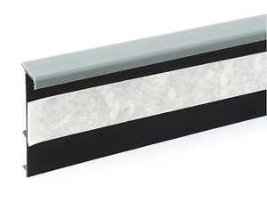Einklebe Kernsockelleiste Grau Restposten 10,2 lfm