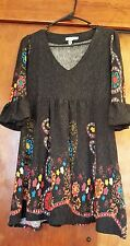 women's winter dress modern size XL but fits on a L, in excellent condition