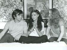 BERNARD  GIRAUDEAU CAROLE  LAURE CROQUE LA VIE  1981 VINTAGE PHOTO ORIGINAL