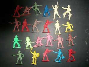 Lot of 54mm plastic Western figures made in Hong Kong