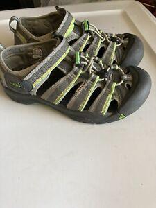 Keen Newport Grey Washable Waterproof Hiking Sandals Kids Size 4