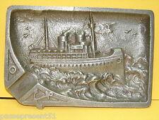 Joli ancien vide-poches ou cendrier, bateau, navire, aluminium